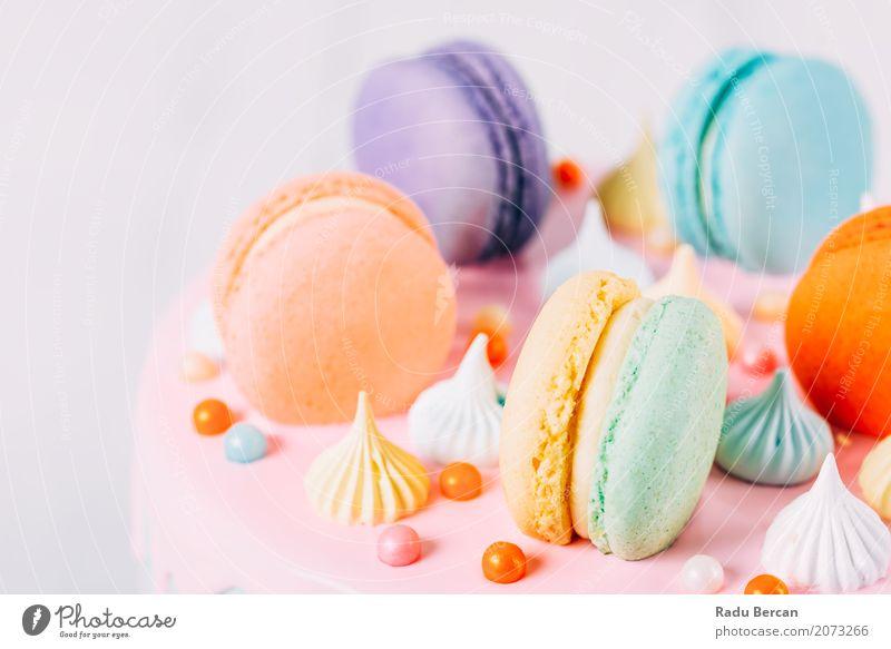 Bunter Macaron-Geburtstags-Kuchen und süßer Süßigkeits-Belag blau Farbe weiß rot Essen gelb Lebensmittel Feste & Feiern rosa orange Ernährung frisch retro