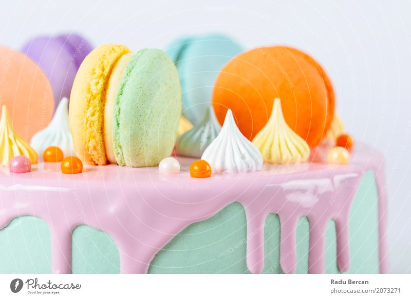 Bunter Macaron-Geburtstags-Kuchen und süßer Süßigkeits-Belag blau Farbe schön grün weiß Essen gelb Lebensmittel Feste & Feiern orange rosa Ernährung retro rund