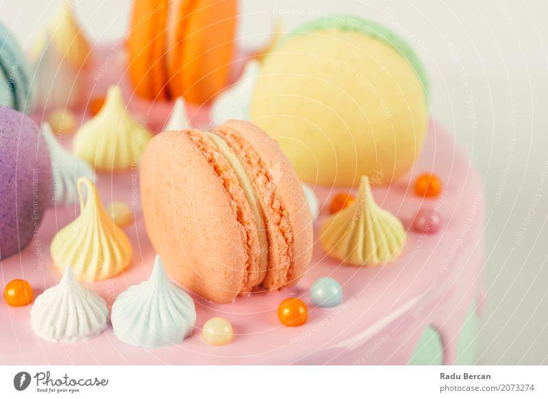 Bunter Macaron-Geburtstags-Kuchen und süßer Süßigkeits-Belag Farbe schön weiß Freude Essen gelb Lebensmittel Feste & Feiern rosa Ernährung retro genießen rund
