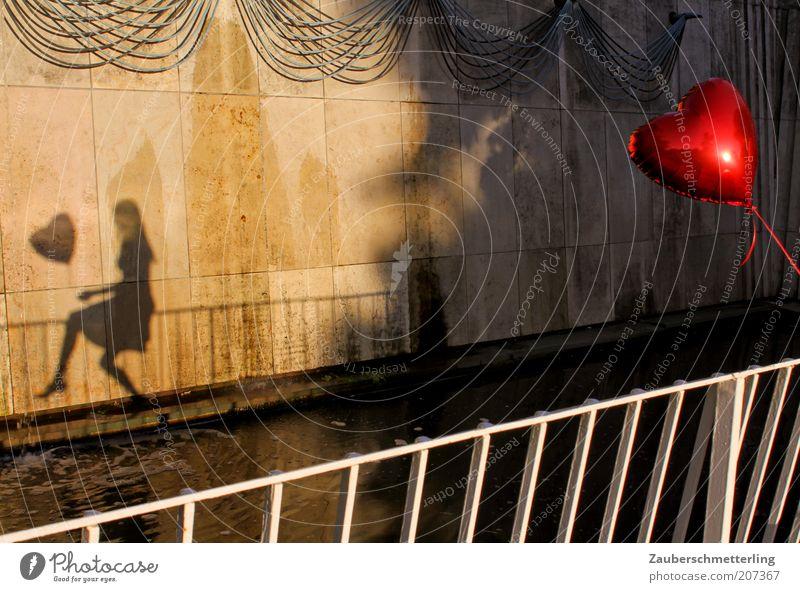 PS: Ich liebe dich! Jugendliche schön Wasser Junge Frau Einsamkeit Freude Traurigkeit Gefühle feminin Liebe Glück Freiheit außergewöhnlich Zusammensein
