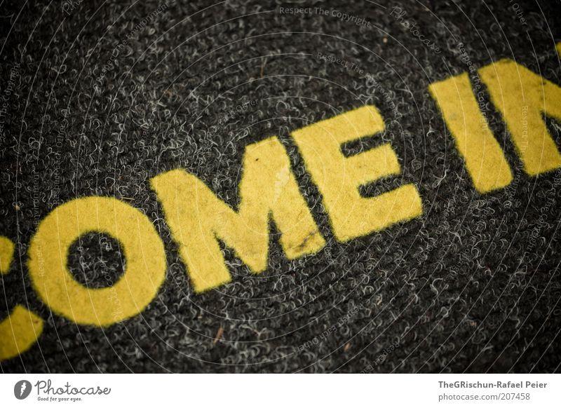 Welcome gelb grau come in Farbfoto Innenaufnahme Vogelperspektive Fußmatte Buchstaben Wort Schriftzeichen Englisch Willkommen Bildausschnitt