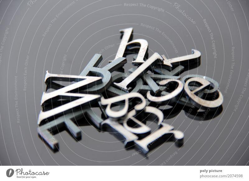 Buchstabensalat Bildung Metall Stahl Zeichen Schriftzeichen wählen bauen gebrauchen berühren Bewegung Denken entdecken fallen lesen liegen schreiben alt dreckig