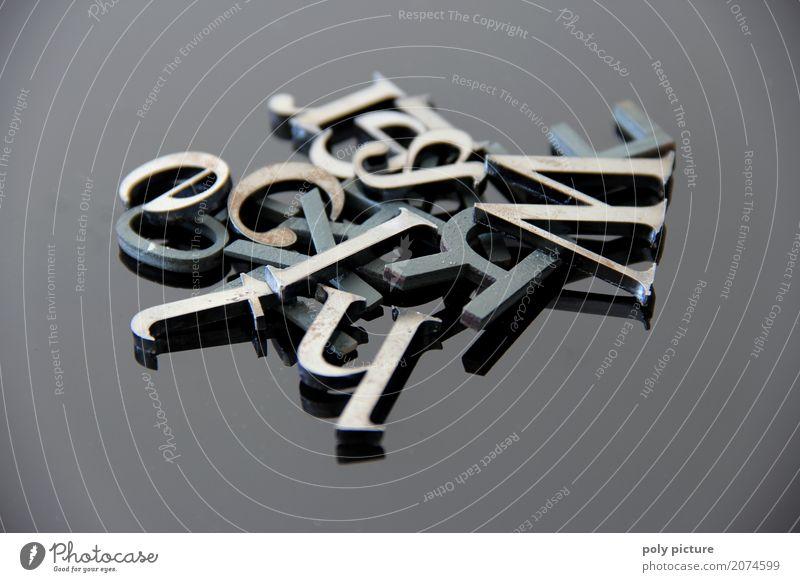 Buchstabensalat Bildung Wissenschaften Erwachsenenbildung Kindergarten Schule Metall Stahl Zeichen Schriftzeichen wählen beobachten fallen lernen schreiben alt