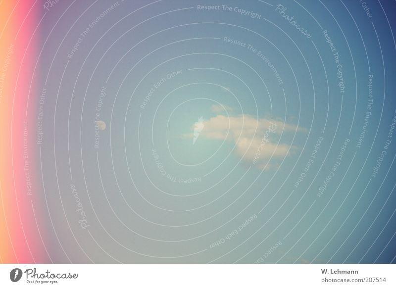 NCC 1701 oder auch Wolke 07 Himmel Natur blau rot Sommer Wolken gelb Luft UFO Experiment Erscheinung Vignettierung Blendeneffekt