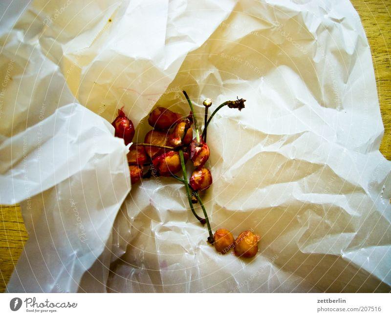 Kirschkerne Kirsche Kerne Steinfrüchte Frucht Ernährung Stengel Müll Kompost Papier Biomüll Speiserest