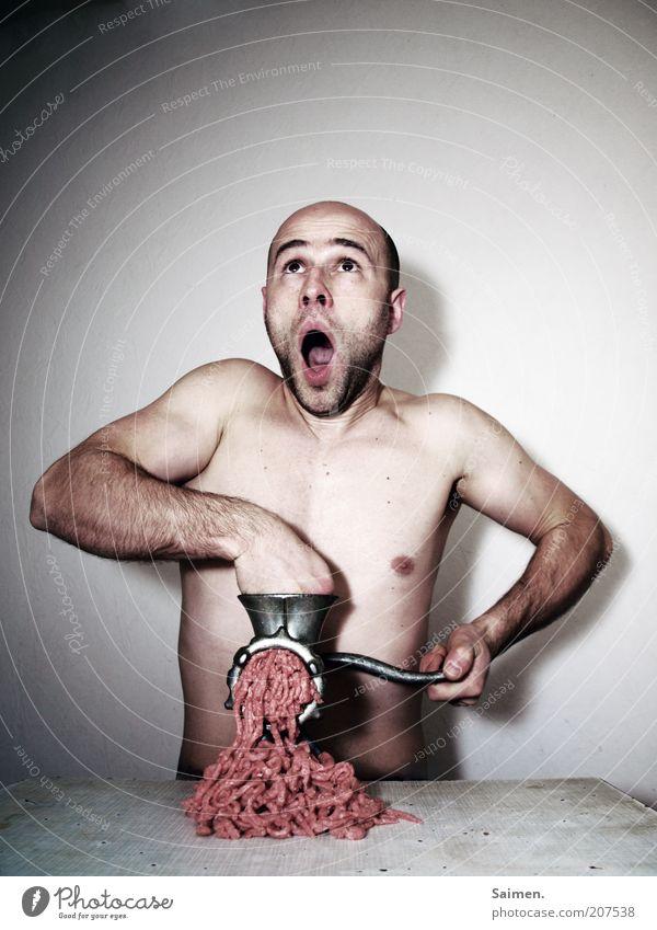 Haushaltskrise Fleisch Mensch Mann Erwachsene Körper Kopf 1 drehen schreien außergewöhnlich bedrohlich dunkel Ekel nackt trashig verrückt Schmerz Angst