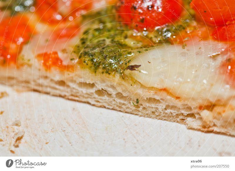 guten appetit Lebensmittel Teigwaren Backwaren Ernährung Mittagessen Abendessen Vegetarische Ernährung Fastfood Italienische Küche lecker Pizza Tomate