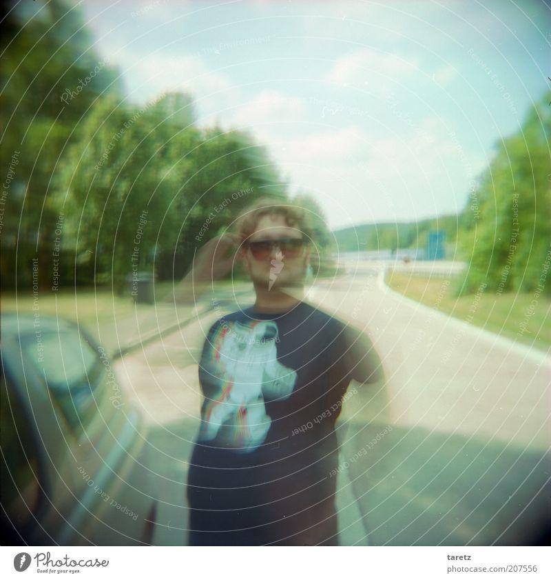 Dr. Gonzo Mensch Natur Jugendliche Himmel Baum grün Sommer PKW Erwachsene maskulin Geschwindigkeit Coolness retro Pause stoppen Autobahn
