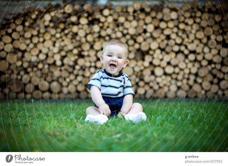 Sonnenschein Mensch maskulin Kind Baby Kindheit 1 0-12 Monate frech Fröhlichkeit Glück klein natürlich niedlich braun grün Gefühle Stimmung Freude Zufriedenheit