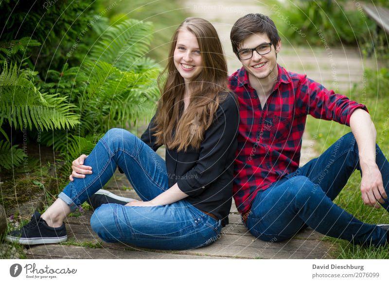 Katharina & Patrick maskulin feminin Junge Frau Jugendliche Junger Mann Paar Leben 2 Mensch 18-30 Jahre Erwachsene Natur Frühling Sommer Schönes Wetter Garten