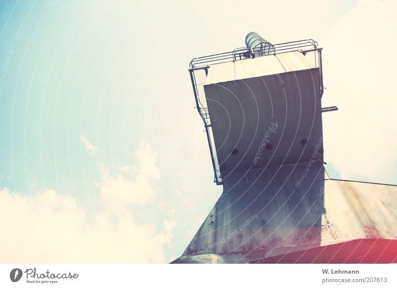 alter Kran... blau grau Luft Industriefotografie Stahl aufwärts Gewicht Industrieanlage mehrfarbig industriell Unschärfe Hafenkran Stahlkonstruktion