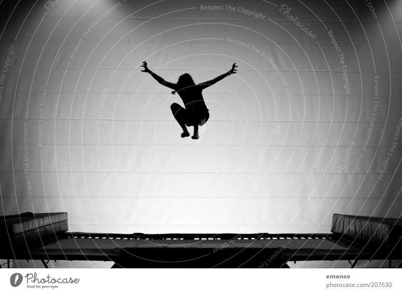 flugstunde Lifestyle Freude Sport Fitness Sport-Training Sportler Junge Frau Jugendliche Bewegung fliegen springen ästhetisch sportlich hoch schwarz Erfolg