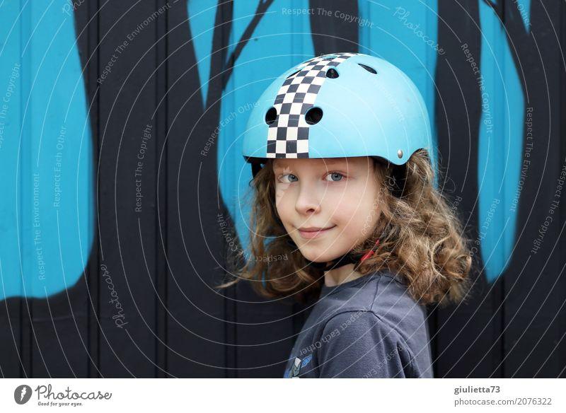come on let's go Freizeit & Hobby Spielen Sport Inline Skating Kind Junge Kindheit Leben 1 Mensch 8-13 Jahre Helm Fahrradhelm brünett blond langhaarig Locken