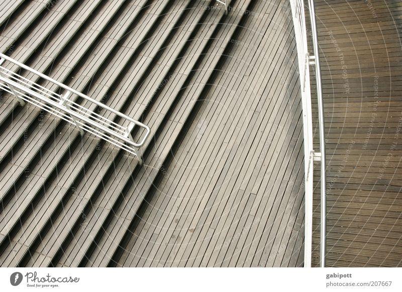 Treppen Treppengeländer Sehenswürdigkeit Symmetrie Linie Kurve graphisch Gedeckte Farben Außenaufnahme Menschenleer Tag Kontrast Vogelperspektive