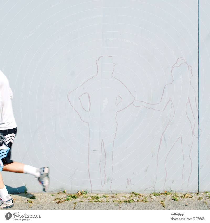 mr. right Frau Mensch Mann Erwachsene feminin Leben Sport Graffiti grau Mauer Paar laufen maskulin Fitness Partner Trennung