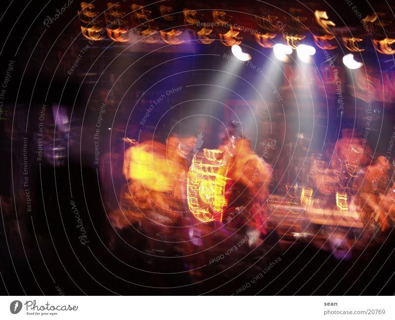 Rock n Roll Licht Konzert Menschengruppe Musik Bewegung
