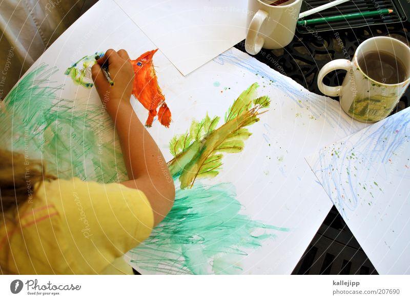 fox Kind Hand Mädchen Sommer Ferien & Urlaub & Reisen gelb Spielen Arme Finger Freizeit & Hobby Getränk Tisch Kindheit Häusliches Leben Tasse malen
