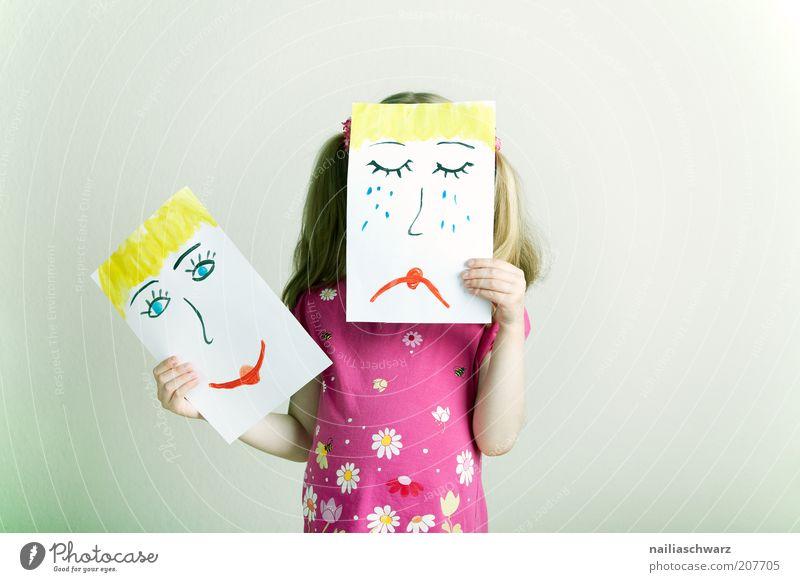Wechselnde Gefühle Mensch feminin Mädchen Kopf Gesicht 1 3-8 Jahre Kind Kindheit Haare & Frisuren blond Zeichen Lächeln lachen weinen Fröhlichkeit mehrfarbig