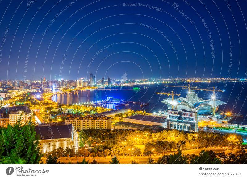 Blick über Baku in der Nacht, Aserbaidschan Ferien & Urlaub & Reisen Tourismus Sommer Meer Landschaft Stadt Stadtzentrum Skyline Hochhaus Gebäude Architektur