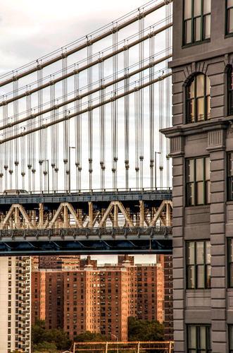 da geht's ja drunter... Stadt braun Linie Hochhaus Ordnung Brücke Beton planen Sehenswürdigkeit Netzwerk Skyline Stadtzentrum Städtereise Sightseeing Stahl