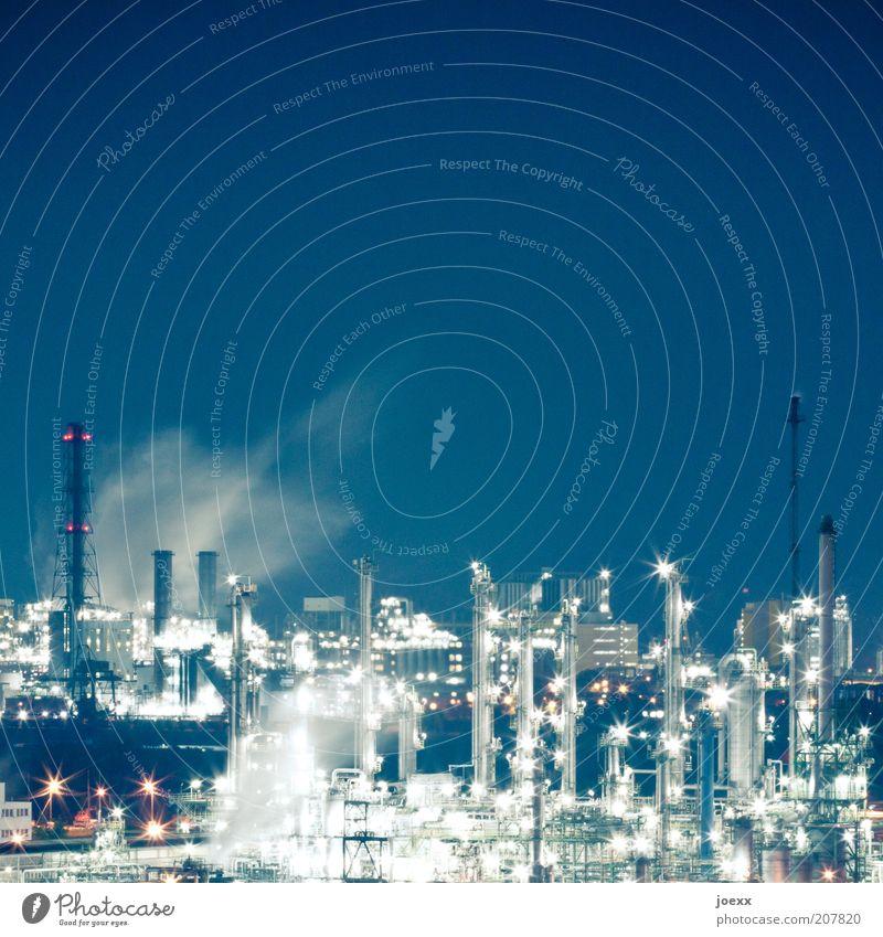 Der blaue Planet. blau hell Energie Industrie Energiewirtschaft Fabrik leuchten Abgas Schornstein Industrieanlage Umweltverschmutzung Klimawandel Kohlendioxid industriell Lichtpunkt