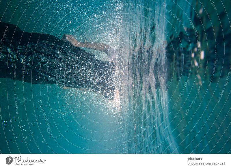 200 Blubberblasen Mensch blau Wasser Ferien & Urlaub & Reisen Sommer Freude springen Mode nass Schwimmen & Baden ästhetisch Fröhlichkeit Wassertropfen
