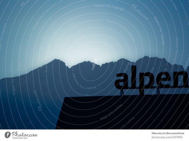 alpen Ferien & Urlaub & Reisen Tourismus Ausflug Ferne Sonne Berge u. Gebirge Haus Himmel Wolkenloser Himmel Sonnenlicht Herbst Winter Schönes Wetter Alpen