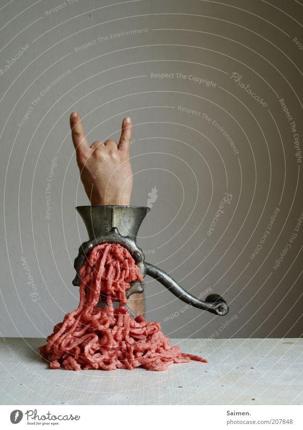 bis zum bitteren ende Hand Fleisch lustig Rockmusik Finger gefährlich außergewöhnlich Mensch Ernährung trashig skurril bizarr Ekel Surrealismus Desaster seltsam