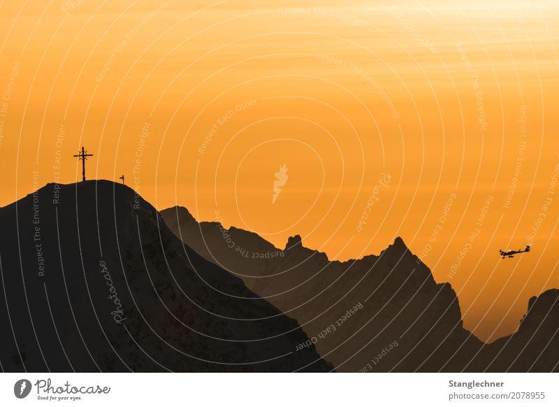 Abendflug Freizeit & Hobby fliegen Berge u. Gebirge Mond Fahrzeug Luftverkehr Fluggerät Flugzeug Arbeit & Erwerbstätigkeit sportlich Damüls Sonnenuntergang