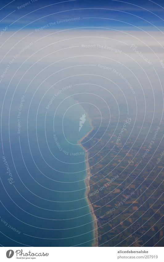 französische grenze Wasser Himmel blau Wolken Freiheit Landschaft Luft Erde Klima Unendlichkeit Blauer Himmel Wolkenhimmel Fensterblick Flugzeugausblick