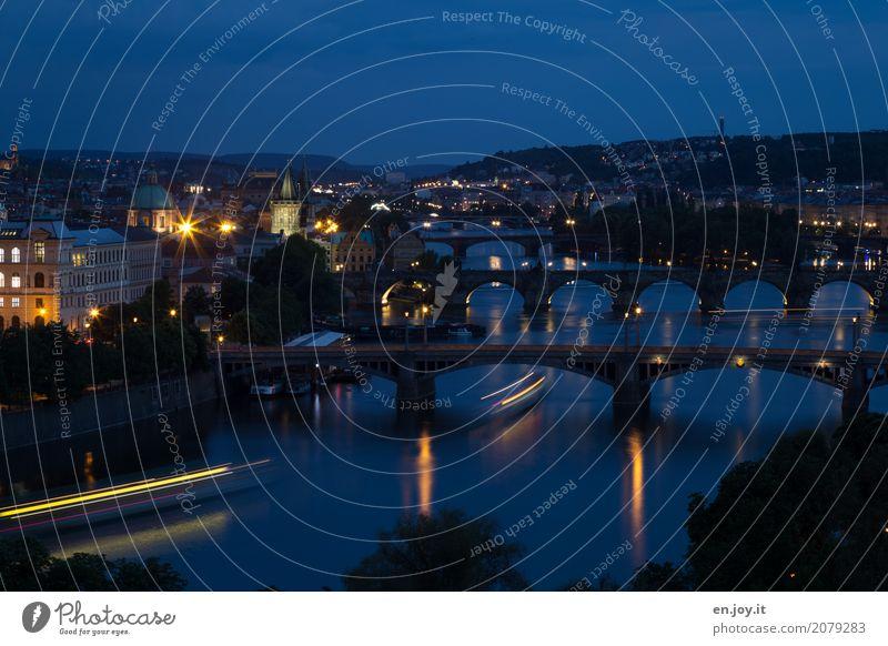 Lichtgeschwindigkeit Ferien & Urlaub & Reisen Städtereise Nachtleben Fluss Moldau Prag Tschechien Europa Stadt Hauptstadt Brücke Sehenswürdigkeit Wahrzeichen