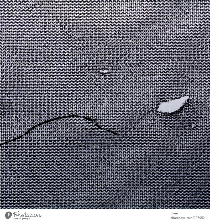 [H10.1] - Laufmasche grau dreckig klein kaputt Netz dünn Streifen außergewöhnlich Quadrat Teile u. Stücke Kunststoff Loch Riss filigran Schlaufe gerissen