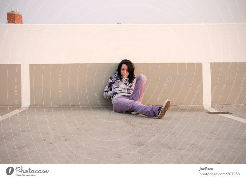 #207953 Frau Mensch Jugendliche schön Leben Wand Stil träumen Mauer Zufriedenheit warten Mode Erwachsene sitzen Lifestyle