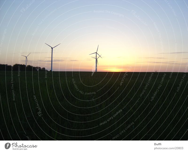 Ölkriese II - Windenergie Sonnenuntergang Romantik Langzeitbelichtung Energiewirtschaft Abend