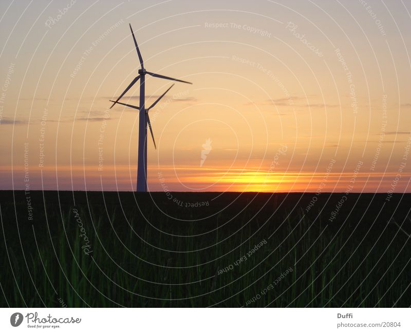 Ölkriese I - Windenergie Windkraftanlage Sonnenuntergang Langzeitbelichtung träumen genießen Romantik