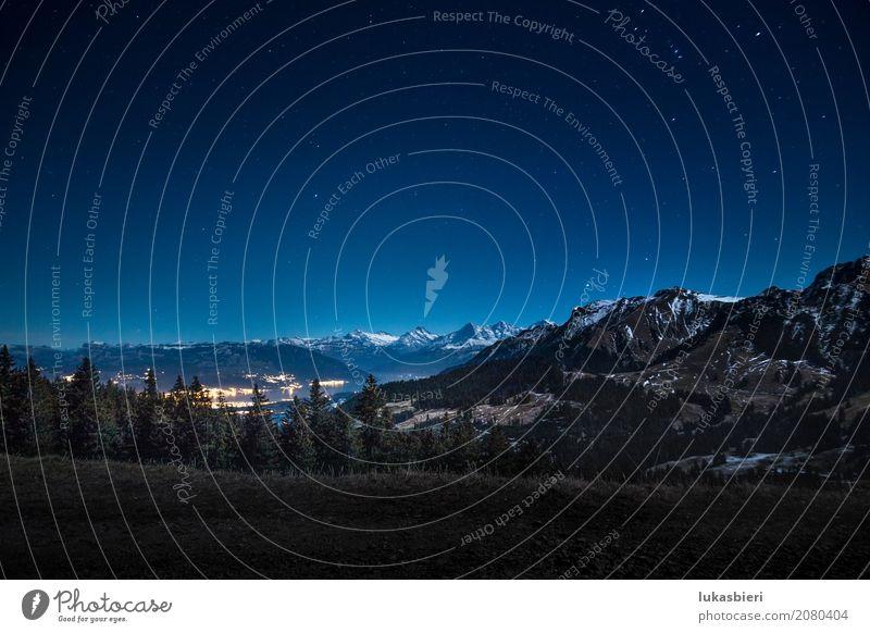 Nachtaufnahme mit Blick auf die Schneeberge und den Thunersee Umwelt Natur Landschaft Himmel Stern Herbst Winter Schönes Wetter Nebel Schneebedeckte Gipfel