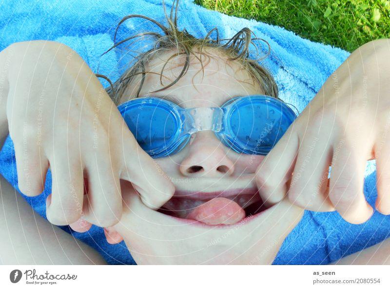 Spaß am Pool Schwimmen & Baden Schwimmbad Junge Kindheit Leben Gesicht 1 Mensch 8-13 Jahre Umwelt Natur Wasser Wassertropfen Sommer Klima Schönes Wetter Wärme