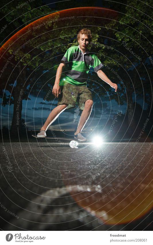 balanceboarding Mensch Jugendliche Baum Sommer Freude Sport springen Spielen maskulin Lifestyle ästhetisch Coolness Freizeit & Hobby Asphalt Fitness