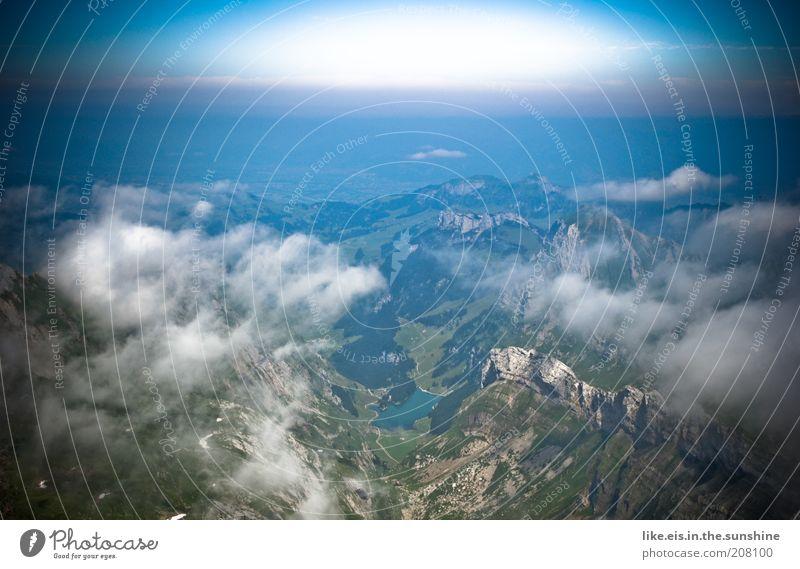 über den Wolken.. (III) Himmel Ferien & Urlaub & Reisen Sommer Wolken ruhig Ferne Erholung Berge u. Gebirge Freiheit Horizont Zufriedenheit Felsen hoch Ausflug Alpen Schönes Wetter