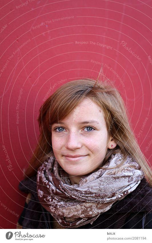 Wandbild Schule Schulhof Schulkind Mensch feminin Mädchen Kindheit Jugendliche Mauer Fröhlichkeit Freude Glück Lebensfreude lachen Lächeln Farbfoto