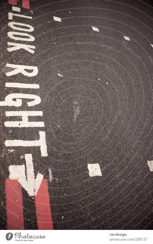 P.O.V. rot schwarz Straße grau Wege & Pfade Beton Verkehr Schriftzeichen Sicherheit Asphalt Schutz Fußweg Straßenverkehr Verkehrszeichen Textfreiraum oben