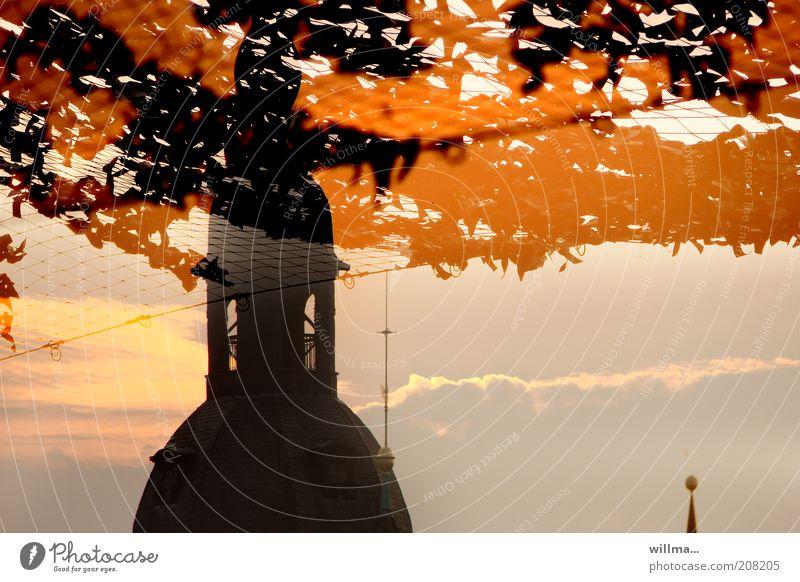 an.dacht Sommer Wärme Religion & Glaube orange Klima Schönes Wetter Spitze Zukunft Kirche Dach Sicherheit Schutz Netz Zusammenhalt Zukunftsangst Politik & Staat