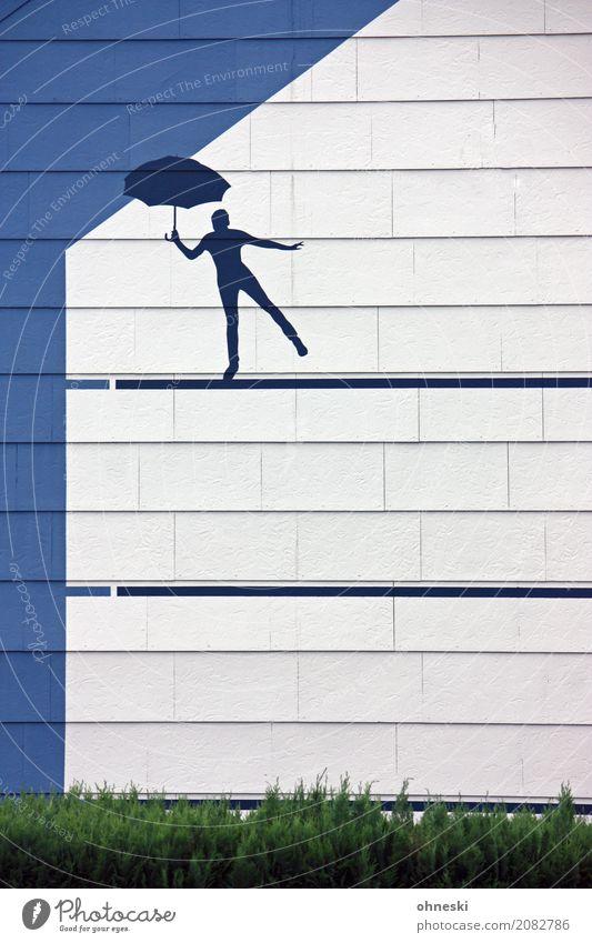 Drahtseilakt 1 Mensch Haus Bauwerk Architektur Mauer Wand Fassade Regenschirm Zeichen Schilder & Markierungen Zufriedenheit Schutz blau weiß Farbfoto