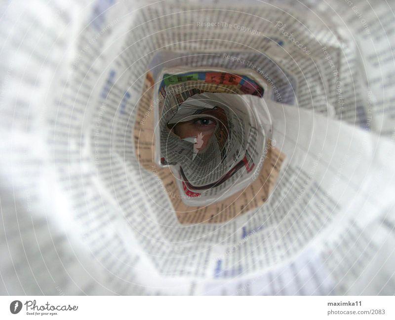 mediengesellschaft Zeitung Tunnel Fototechnik Auge Röhren