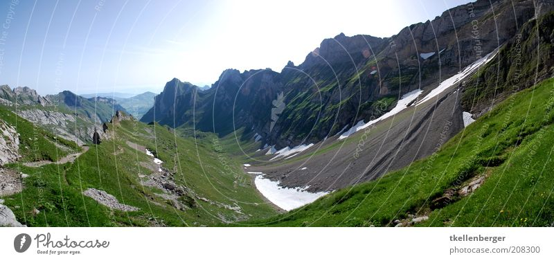 Der Weg Natur Landschaft Urelemente Erde Himmel Wolkenloser Himmel Sommer Gras Alpen Berge u. Gebirge Alpstein hoher kasten Rothsteinpass blau braun grau grün