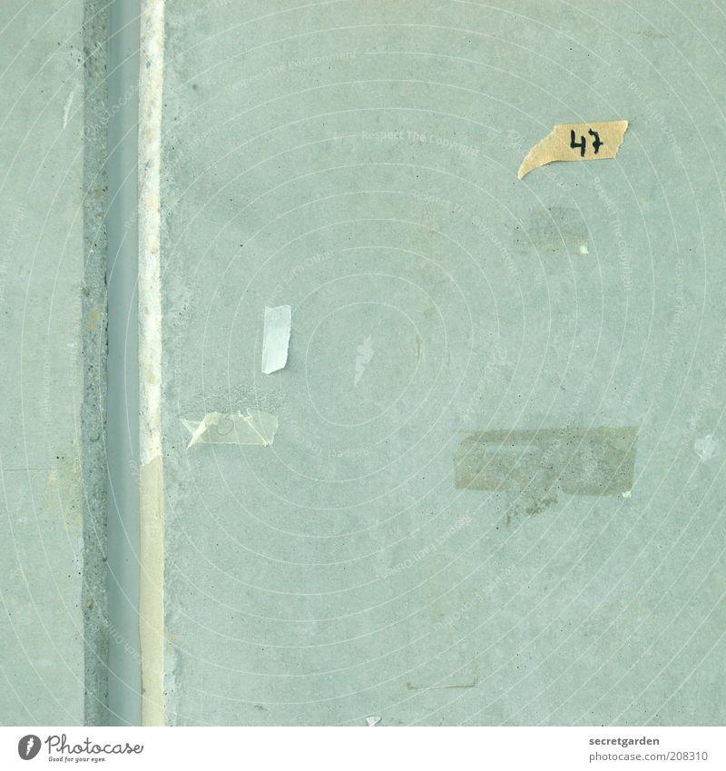 [H 10.1] schweigende wände. gelb Wand Büro grau Schule Mauer Linie Architektur klein Beton leer trist Ende Freizeit & Hobby Ziffern & Zahlen schreiben