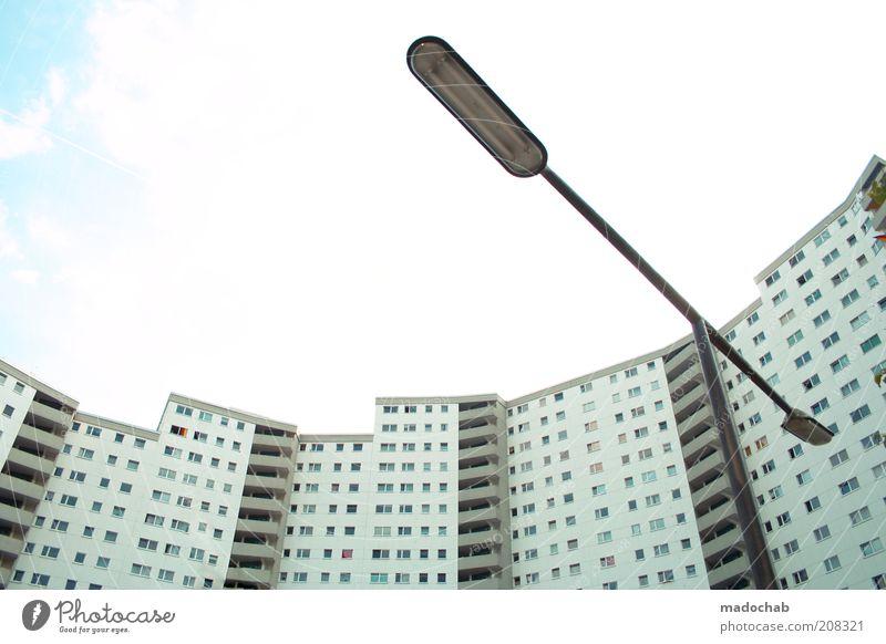 gummiweiche hippiesiedlung Lifestyle Stil Wohnung Berlin Stadt überbevölkert Haus Hochhaus Gebäude Architektur Fassade einzigartig modern Perspektive Symmetrie
