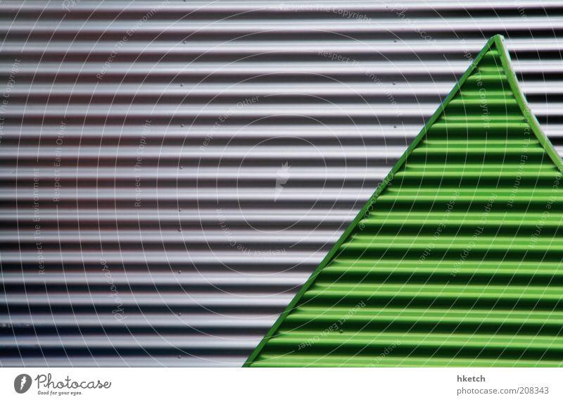 Fieberkurve Streifen Vorfreude Wellblech grün silber-grau Linie Farbfoto Außenaufnahme abstrakt Muster Strukturen & Formen Textfreiraum links Textfreiraum oben