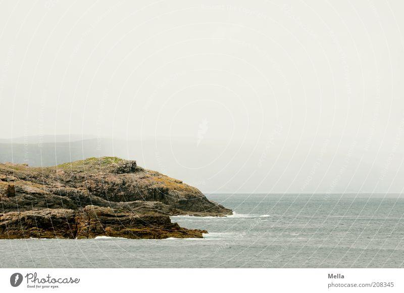 Scottish coast Natur Himmel Meer Ferien & Urlaub & Reisen Einsamkeit Ferne Freiheit grau Landschaft Stimmung Küste Nebel Umwelt Felsen Klima natürlich