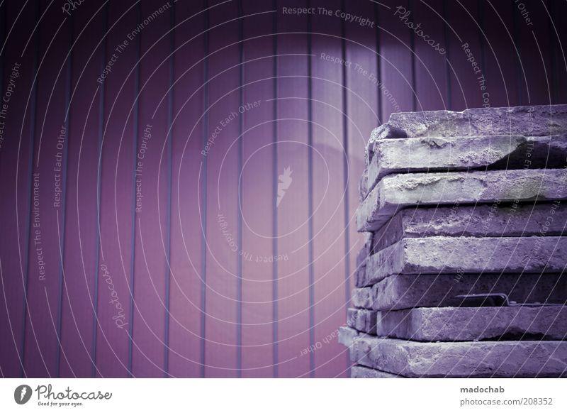Montag Hausbau Mauer Wand Fassade Stein planen Zerstörung Baustelle Sanieren alt neu violett Farbfoto Gedeckte Farben Außenaufnahme abstrakt Muster
